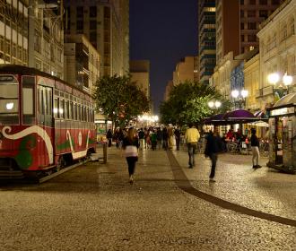 Iluminação da Rua XV de Curitiba